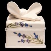 V.K.28-16 Romantik festett doboz szögletes,levendula,kerámia,kézzel festett