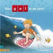 Kleuters samenleesboek: EEN GAT IN DE ZEE? - Monique van Hest