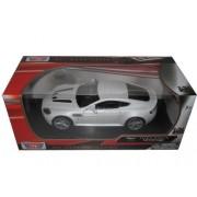 Aston Martin V12 Vantage Pearl White 1/24 by Motormax 73357
