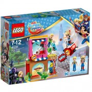 Set de constructie LEGO DC Super Hero Girls Salvatorul Harley Quinn