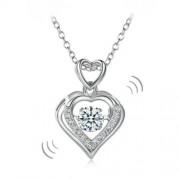 """Ezüst nyaklánc, szív alakú """"táncoló"""" szintetikus gyémánt medállal - 925 ezüst ékszer"""