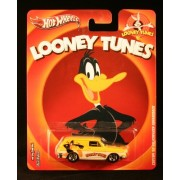Hot Wheels Real Riders Looney Tunes Custom '69 Volswagenb Squareback on Daffy Duck Card