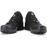 ADIDAS TERREX FAST R MID GTX Men Hiking & Trekking Shoes For Men(Black)