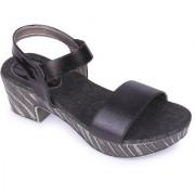 Funku Fashion Women's Black heel