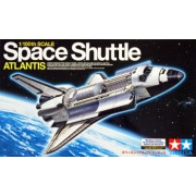 1 100 Space Shuttle Atlantis - 1 figure and stand 1 100