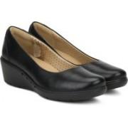 Clarks Un Cass Black Leather Slip On For Women(Black)