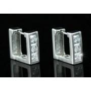Ezüst színű szögletes fülbevaló, átlátszó kristállyal
