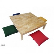 Qtoys Low Square Table 100 cm with 4 cushions