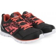 REEBOK SPEED XT Running Shoes For Women(Black, White)