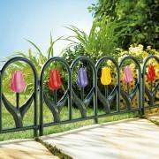 Gard decorativ de gradina cu flori