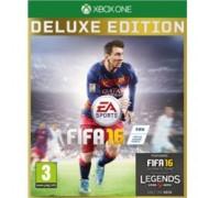 """FIFA 16 Deluxe Edition. съдържа : 40 Fut Gold Packs - 2 златни пакета на седмица в продължение на 20 седмици, Lionel Messi - достъпен в режима Ultimate Team за пет мача, """"КО"""" celebration, """"Robot"""" celebration; за XBOX ONE"""