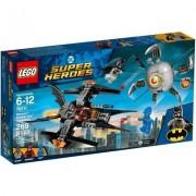 Lego Klocki LEGO Super Heroes Batman: Pojedynek z Brother Eye 76111