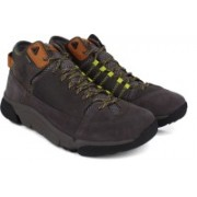 Clarks Tri OutflexGTX Grey Nubuck Boots For Men(Brown)