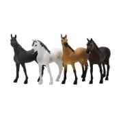 Kids Globe 4 Hästar till stall 1:32