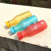 Plastová fľaša na pitie červená