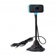 Ordenador portátil con cable de video conferencia en línea libre en la