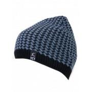 Мъжка зимна шапка - синьо и черно