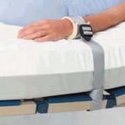 Csuklófixáló rögzítőpánt ágyhoz