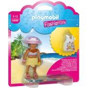FETITA IN TINUTA DE PLAJA - PLAYMOBIL (PM6886)