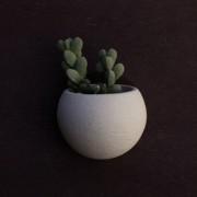 Kamena zidna saksija sa magnetom LUNA - Svetlo siva - 00936