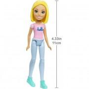 Barbie on the go - mini baba szürke nadrágban