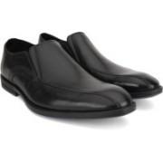 Clarks Prangley Step Black Leather Slip On For Men(Black)