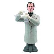 Titan Merchandise Hammer Peter Cushing as Doctor Frankenstein Maxi Action Figure Bust