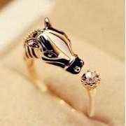 Lovas gyűrű