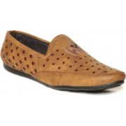 TEN Loafers Loafers For Men(Tan)
