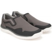 Clarks Votta Free Grey Synthetic Casual For Men(Grey)