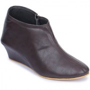 Naisha Women Casual Brown Boots