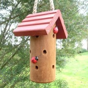 Stamvormig huisje voor lieveheersbeestjes