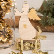 Figura madera ángel con detalles dorados y 12 croki-choc