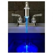 Svítící koncovka na vodovodní baterii