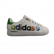 Adidas lányka cipő felirattal