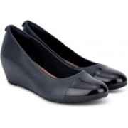 Clarks Vendra Dune Navy Combi Lea Wedge For Women(Navy, Black)