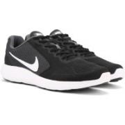 Nike REVOLUTION Running Shoes For Men(Black)