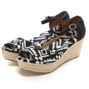 【SALE 30%OFF】トムズ TOMS CHAPTER WOMENS-PLATFORM WEDGES(Black Woven) レディース