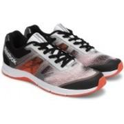 REEBOK QUICK WIN Men Running Shoes For Men(Black, Red, Silver)