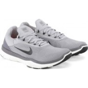 Nike NIKE FREE TRAINER V7 Training & Gym Shoes For Men(Black, Grey)