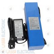 Pacco Batteria a Litio 12V 30AH 30000mA con Caricabatteria 12.6V 3.0Ah