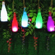 LED világító üveg akasztóval 23 cm piros