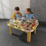 Set de joaca Disney® Pixar Cars 3 Thomasville Track Set & Table - Kidkraft