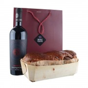 Pachet cadou de Craciun - Cozonac proaspăt Pania și vin Fetească Neagră Nativus