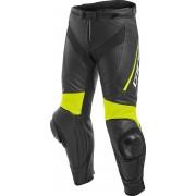 Dainese Delta 3 Pantalones de cuero Negro/Amarillo 64