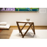 Table scandinave d'appoint triangulaire Marmori