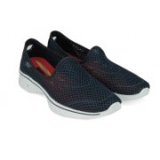 Skechers go walk 4 Walking Shoes(White, Navy)