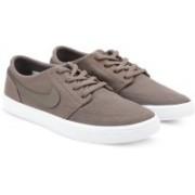 Nike NIKE SB PORTMORE II SOLAR CNVS Sneakers For Men(Brown)