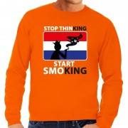 Bellatio Decorations Oranje Stop thinking start smoking sweater heren