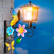 Felinar solar cu fluturi